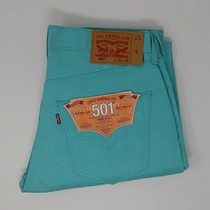 Men's Levi's 501 Button-fly Shrink-To-Fit Jeans.